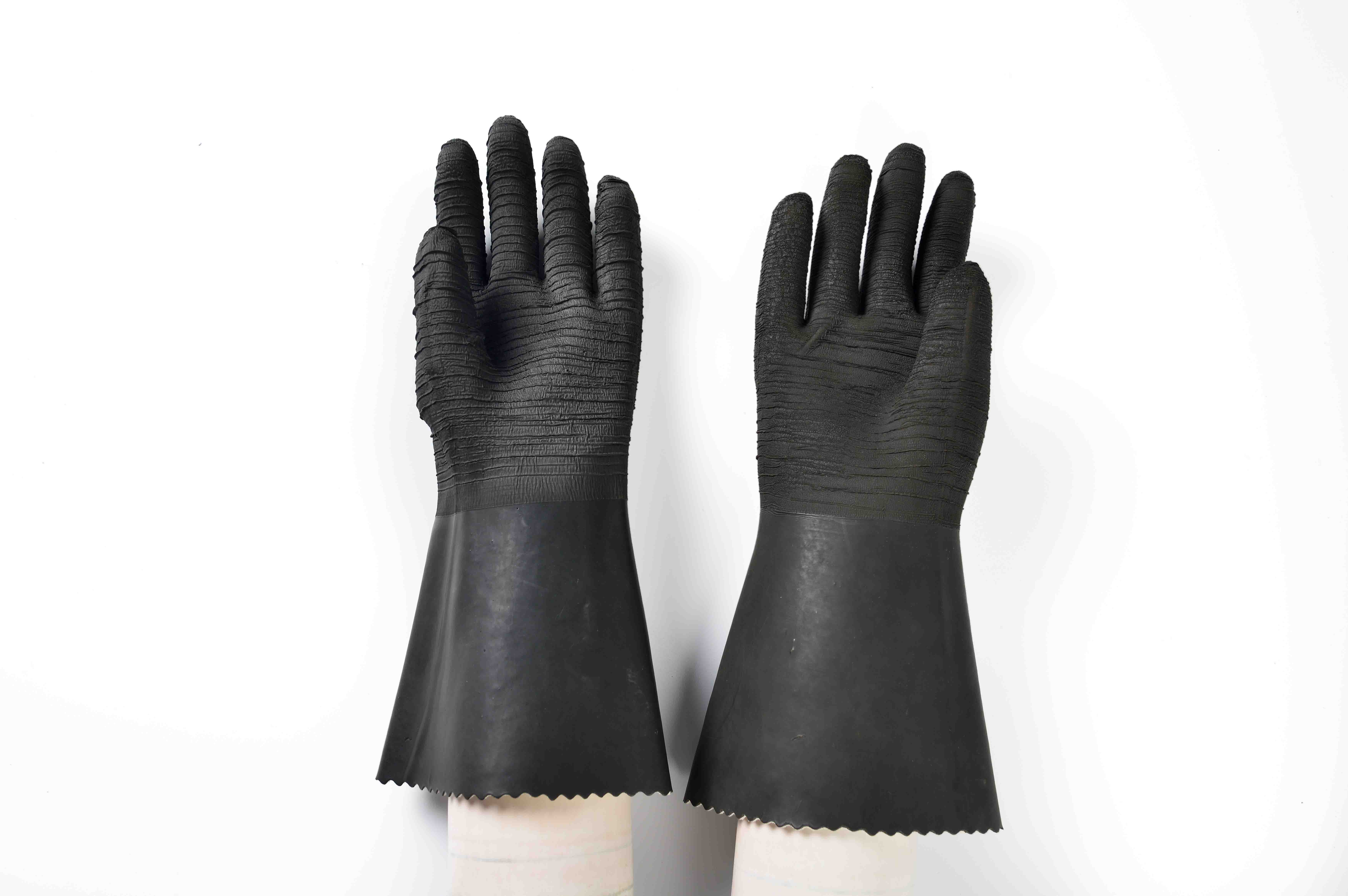 Professional High Quality 14″ rubber glove with cotton linning-rough finish Mozambique Factory